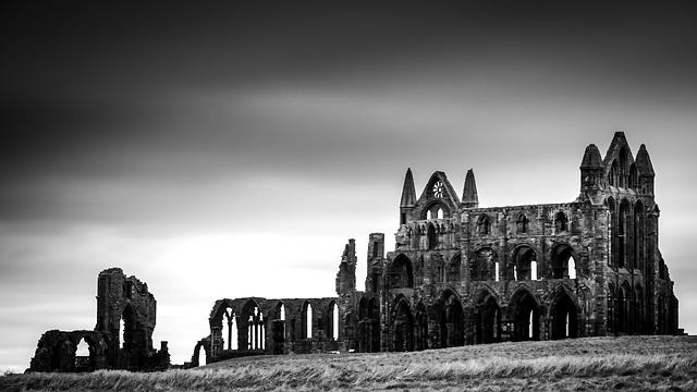 whitby-abbey-2451624_640.jpg