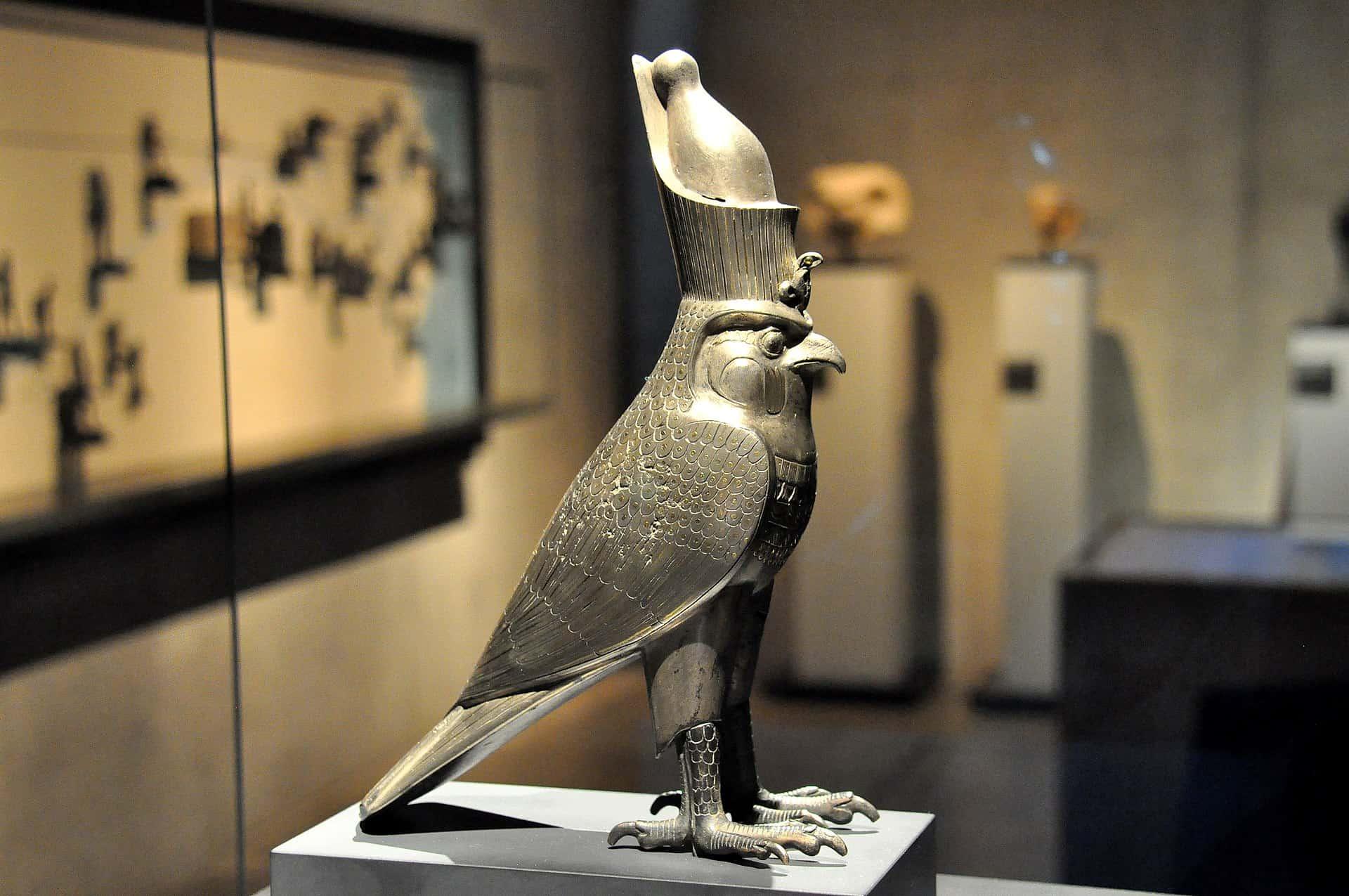 Horus jako sokół