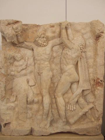 Herakles uwalnia Prometeusza